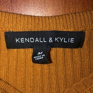 Kendall & Kylie Sweaters - Kendall and Kylie Cropped sweater